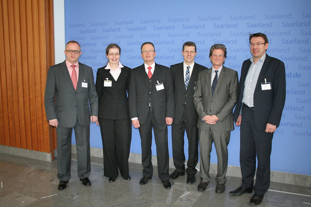 V.l.n.r.: Dr.-Ing. Thomas Sinnwell, Dr. Susanne Reichrath, Uwe Johmann, Dr. Christian Molitor, Prof. Dr. Ralf Oetinger, Ralf Zastrau